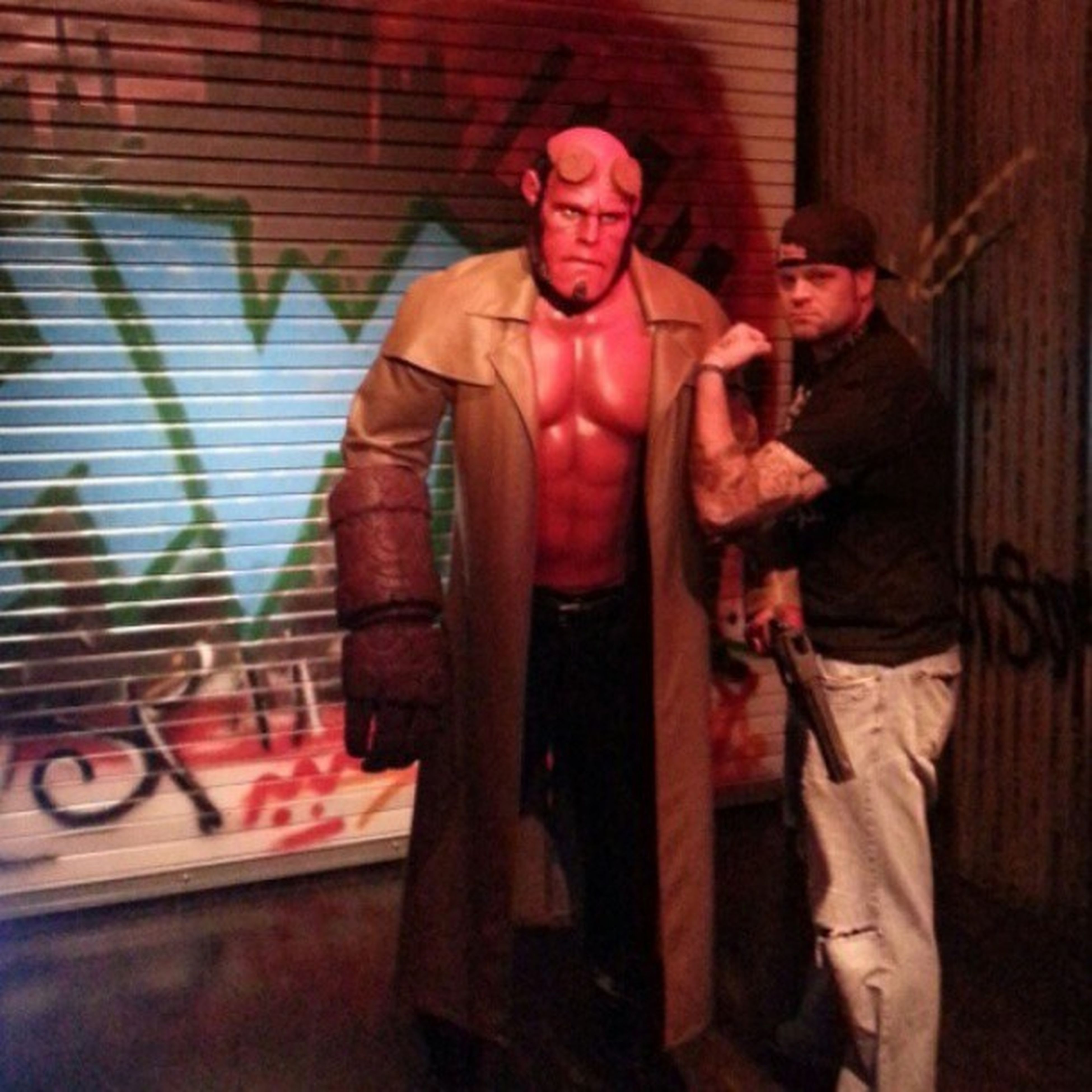 Hellboy!! Hellboy Devilson Devil Fighter guns