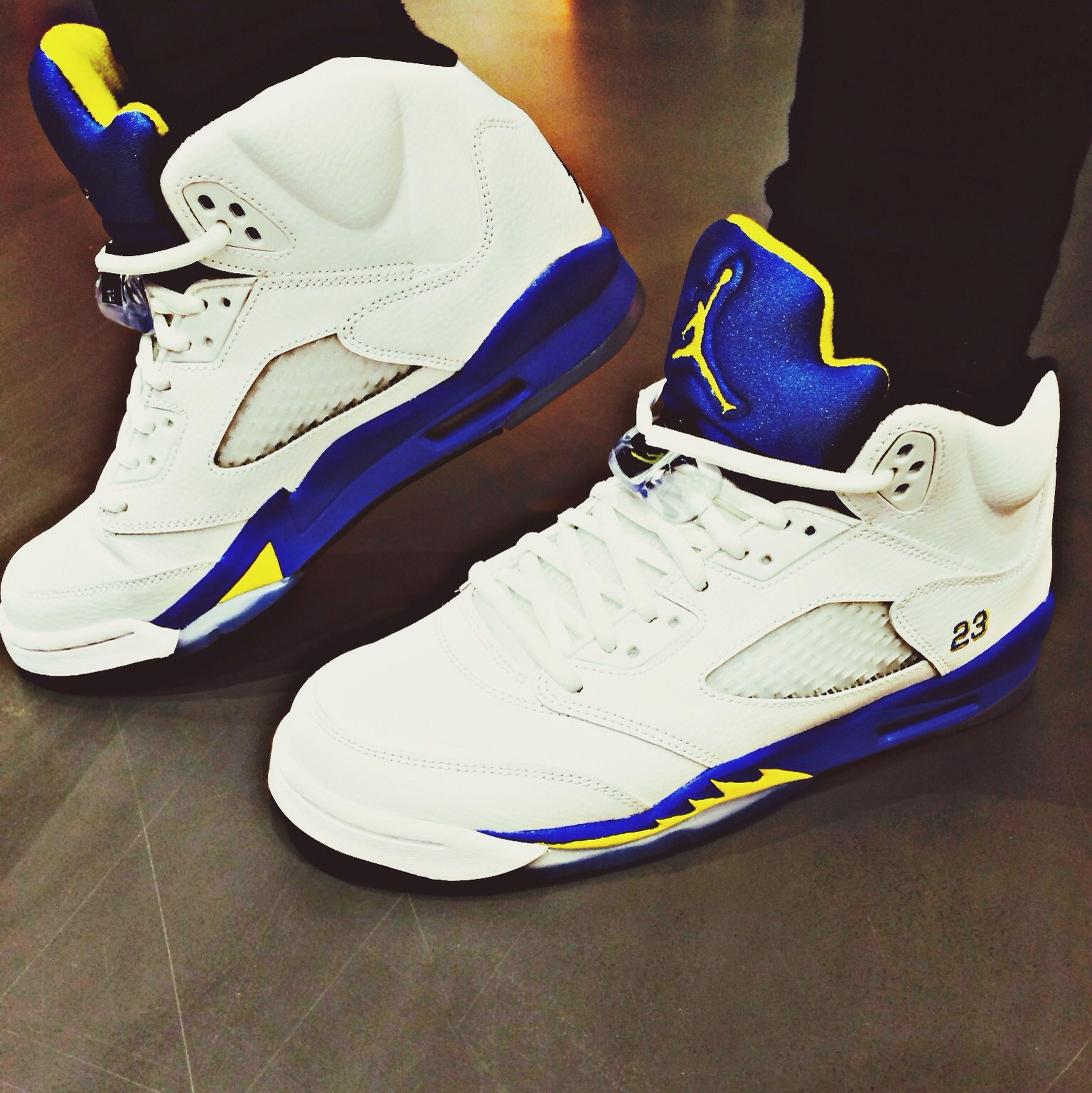 "Jordan 5 ""Laney"""