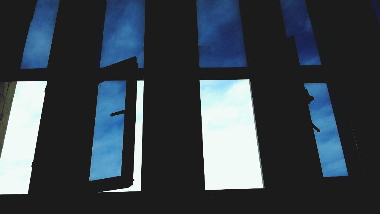 Urban Windows Sky Sceen Gokyuzu Mavi Pencereler Amfi Nice Day