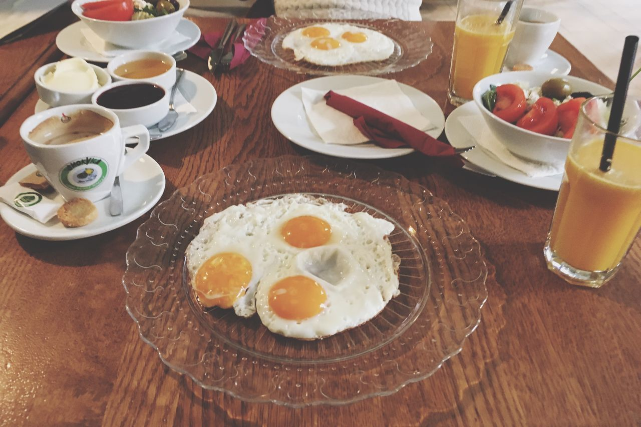 Egg Fried Egg Breakfast Egg Yolk Sunny Side Up Plate Food And Drink Fried Food Egg White Table Ready-to-eat Healthy Eating Indoors  English Breakfast Orange Juice  Omelet Freshness No People Bacon