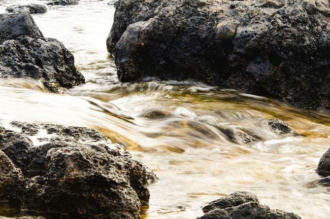 Long Exposure Water Stream Hawaii Poipu Beach Outdoor Landscape Sea Waterfall Rocks Lava Rocks Tidepools