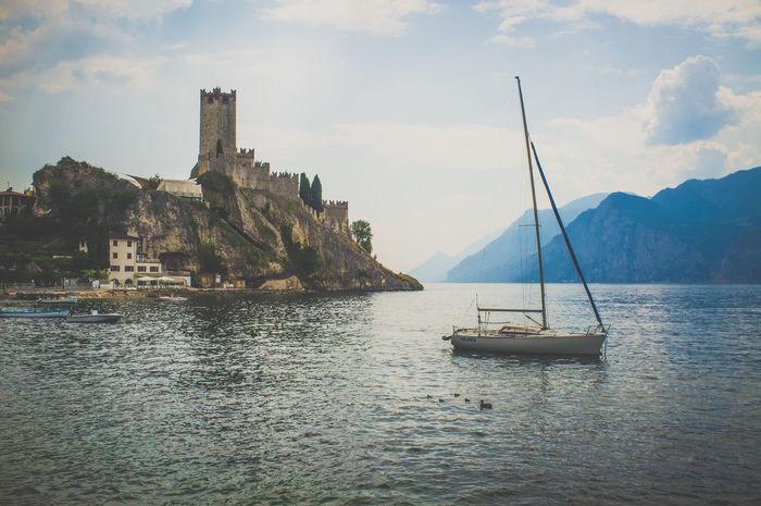 Architecture Boating Gardalake Gardasee Italia Italy Lago Lago Di Garda Sailing Fujifilm_xseries Fujixseries Italy❤️ Italien