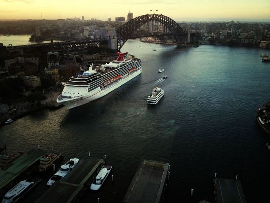 Sydney Harbour Bridge at Circular Quay by @emmii