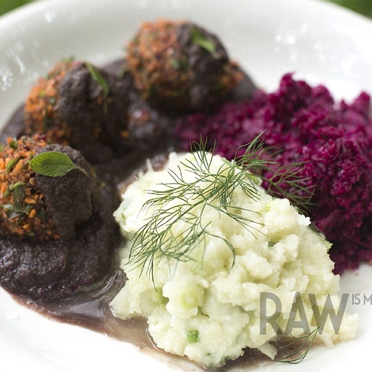 Rawvegan Sauerkraut mashed potatoes Frikadeller
