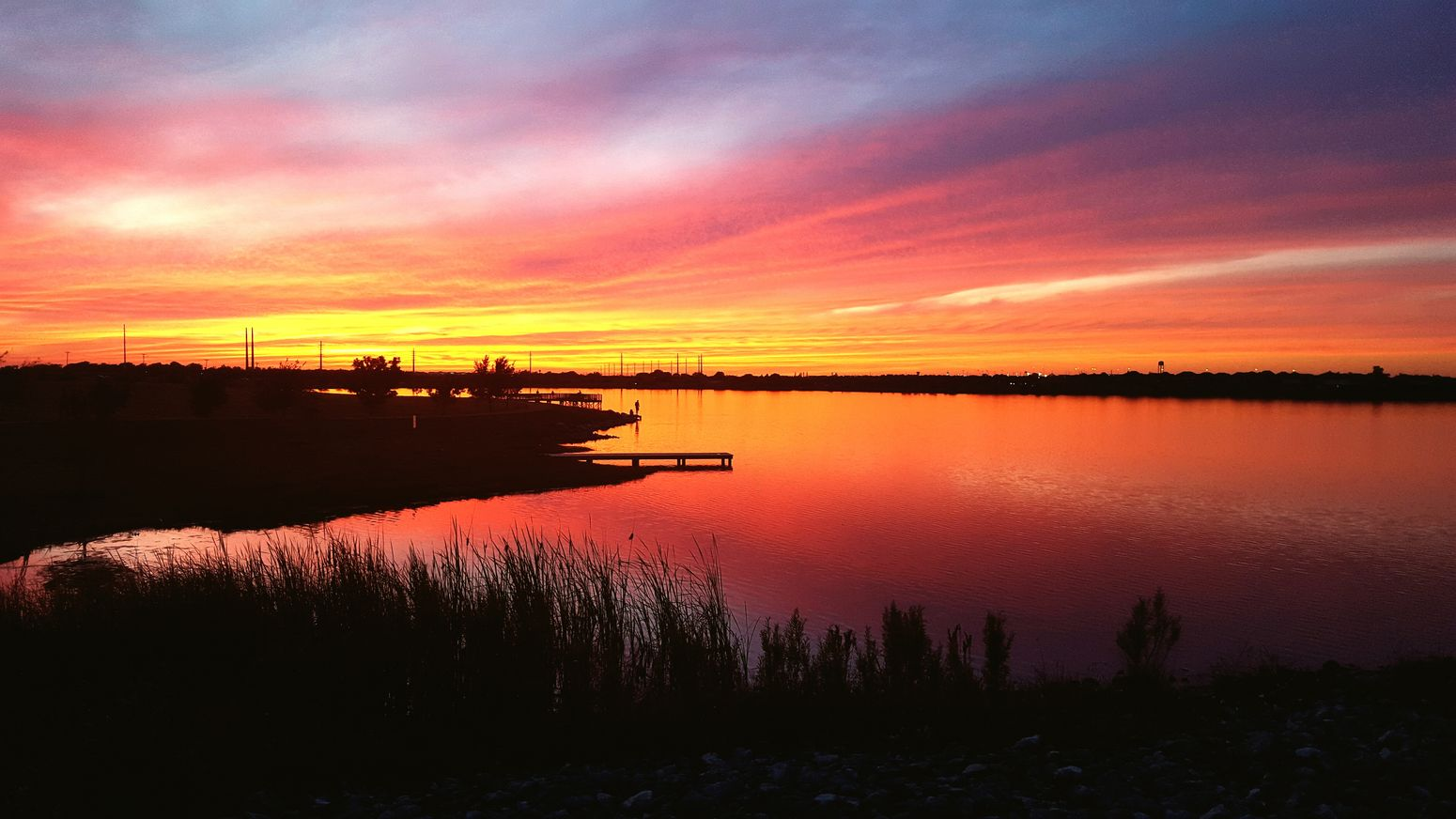 Beautiful Day Swimming Enjoying The Sun Peace And Quiet Beauty Nature Portrait Of America Travelphotography Nature_collection Lake View Lakeside l Lakelife Pink Sky Sunset Sunset_collection