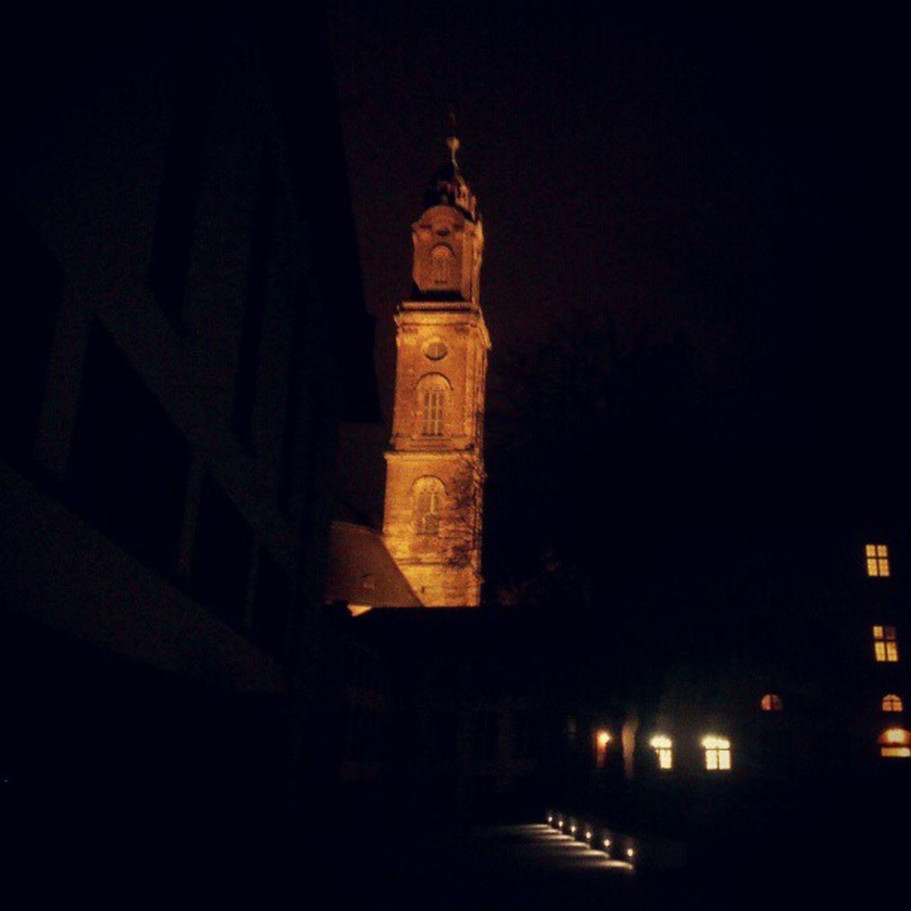 Der angestrahlte Turm der #Jesuitenkirche in #Heidelberg bei #Nacht. Heidelberg Nacht Jesuitenkirche