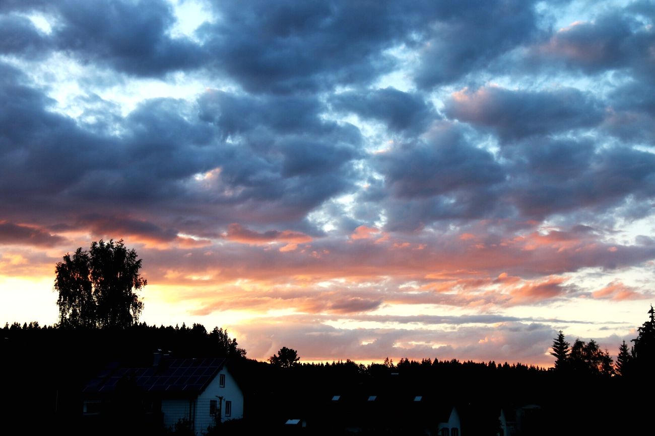 Unglaublicher Himmel in Waltenhofen Beat-fighter City Germany Allgäu Skyporn Cloudporn Sky Sunset Landscape Photography Deutschland