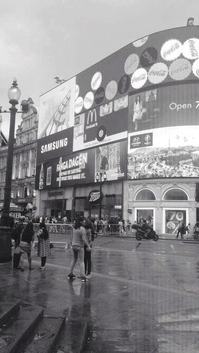 London ✈️ London Viajar Street Spain ✈️🇪🇸 Blackandwhite Travel Traveling Life Funny First Eyeem Photo