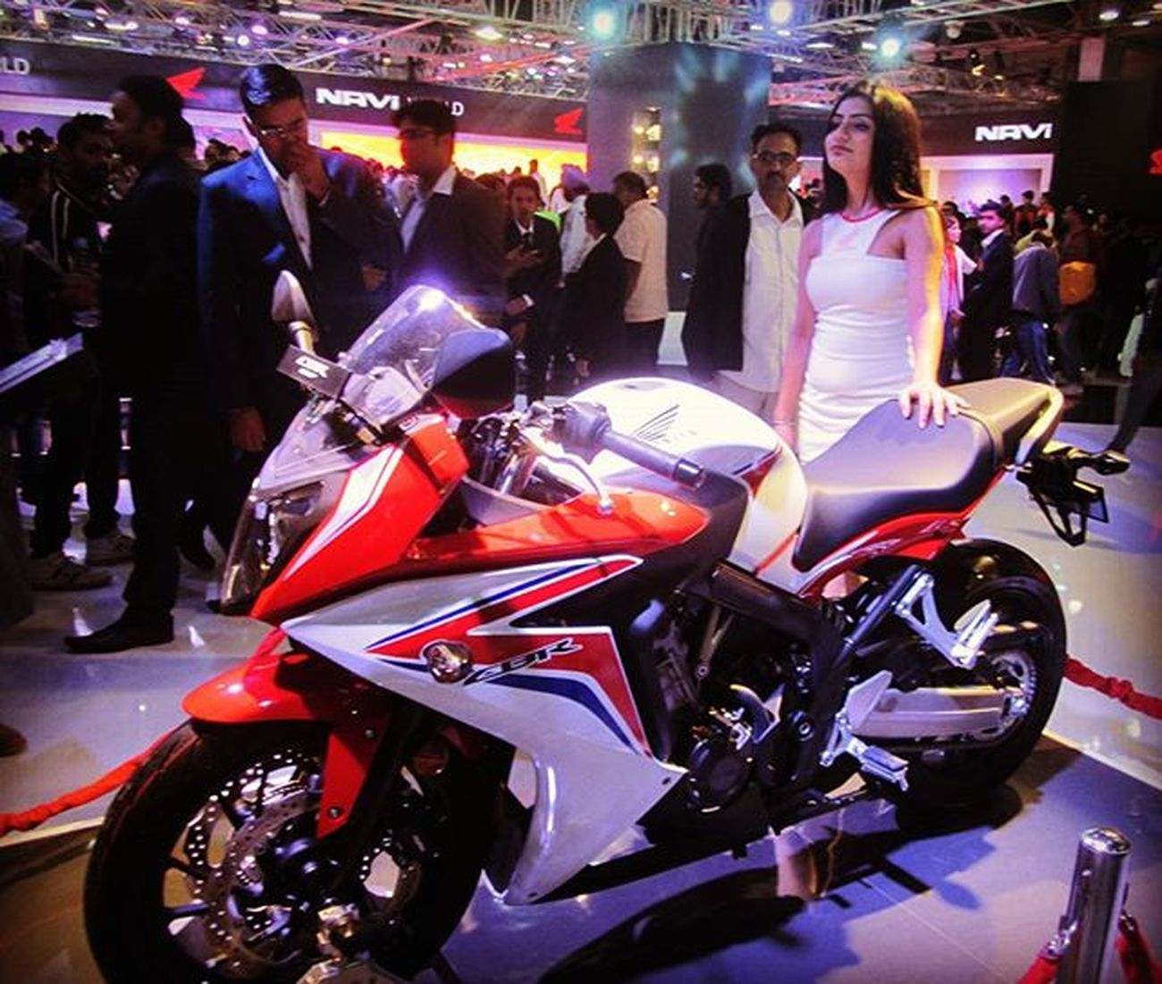 CBR 650F having an inline-4 cylinder engine which gives it a top speed of 222 kmph... Honda Hondacbr Hondacbr650f Performance InstaBikes Instapic Superbike SpeedKills Speed Speedy Picoftheday Photooftheday Vscocamphotos VSCOPH Vscocam VSCO Vscogood Vscogram Vscobikes Powerandspeed Beautyinthebeast DelhiGram Streetsofindia Greaternoida Indianroads oyemyclick _ _soi_ _soi _soidelhi