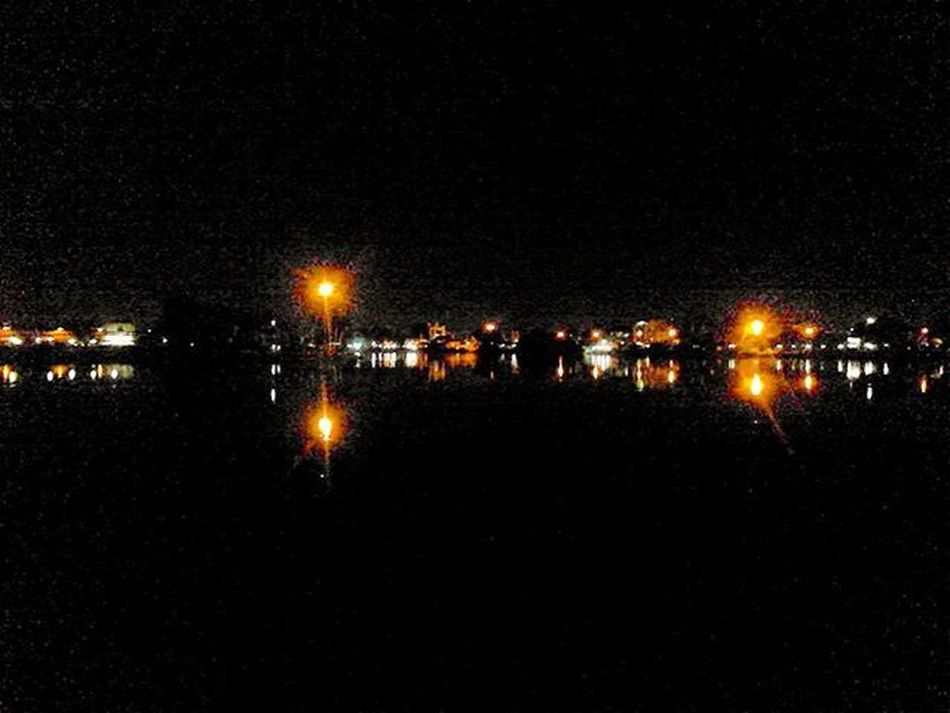 This is how it looks through a 3.0 megapixels lens. Sonyxperia Tipo Lakeview Nightview Megapixel