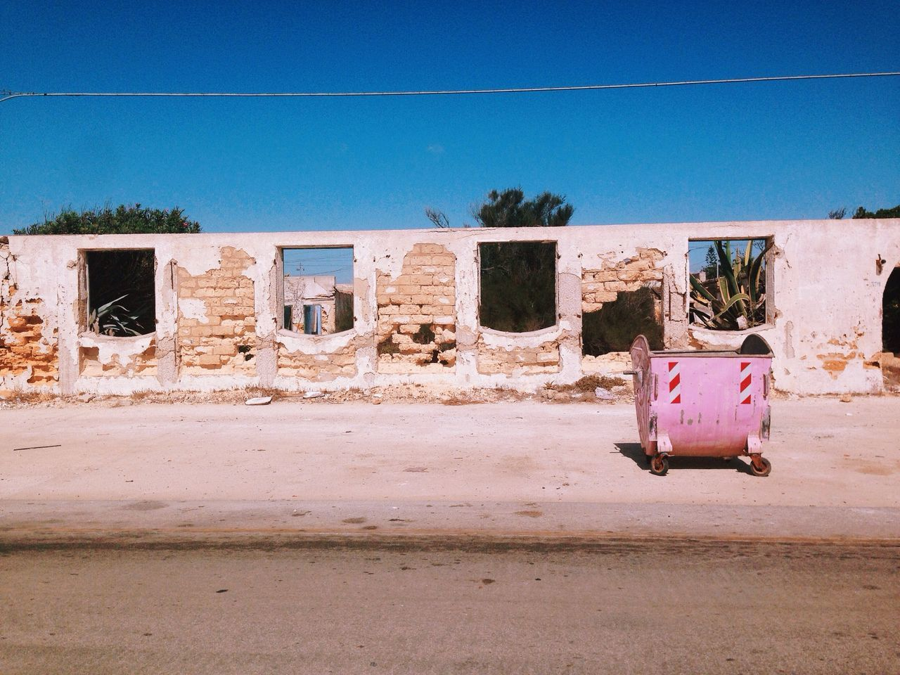 Alégria, notable moments in contemporary environments #21. NEM Derelict VSCO Just Around The Corner