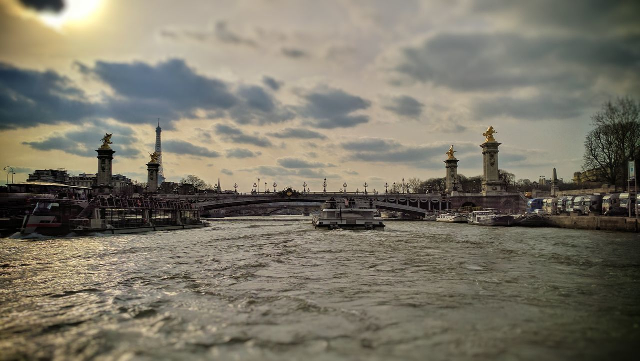 Boat tour on the River Seinne Water Seine Nexus 6P Paris France🇫🇷 Outdoors Cityscape Architecture City Break History Travel Cultures