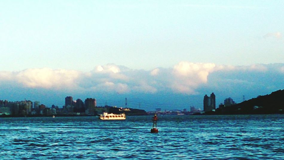 Blue tamsui river & white clouds Sunset #sun #clouds #skylovers #sky #nature #beautifulinnature #naturalbeauty #photography #landscape Amazing View EyeEm Best Shots Relaxing Tamsui River Beautiful Day Nice Place Weekend Enjoying The Sights Sightseeing