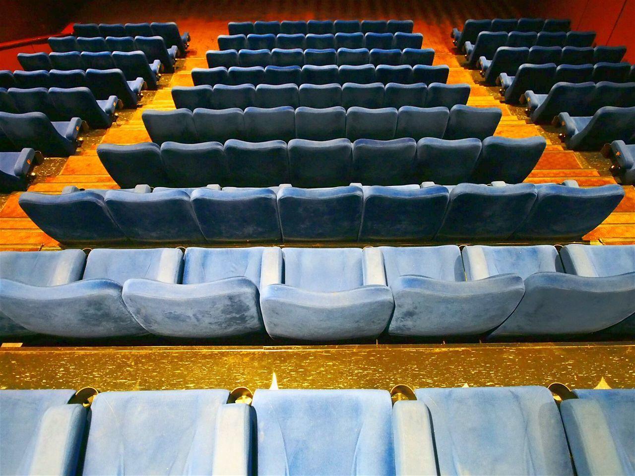 ...alone at the theater My Favorite Place Taking Photos Hello World Theather Movie Theater Movie Night Cinemaxx Weekend Activities Ambience