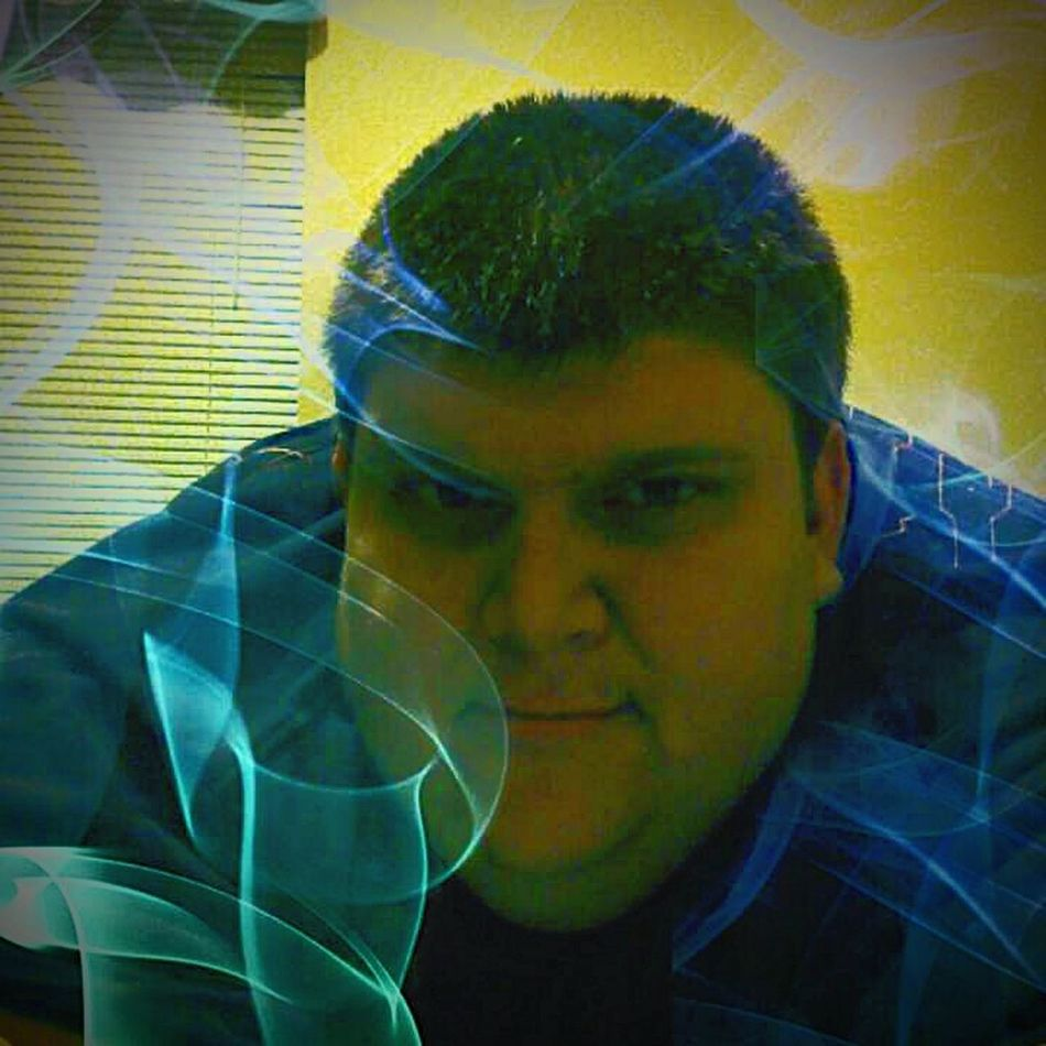 Matterifics World Of Wonders Matterificly Mistified Green Smoke Of Wonders Matterificly You Matterificly You Dude Taking Photos Hanging Out Check This Out Hello World Boys