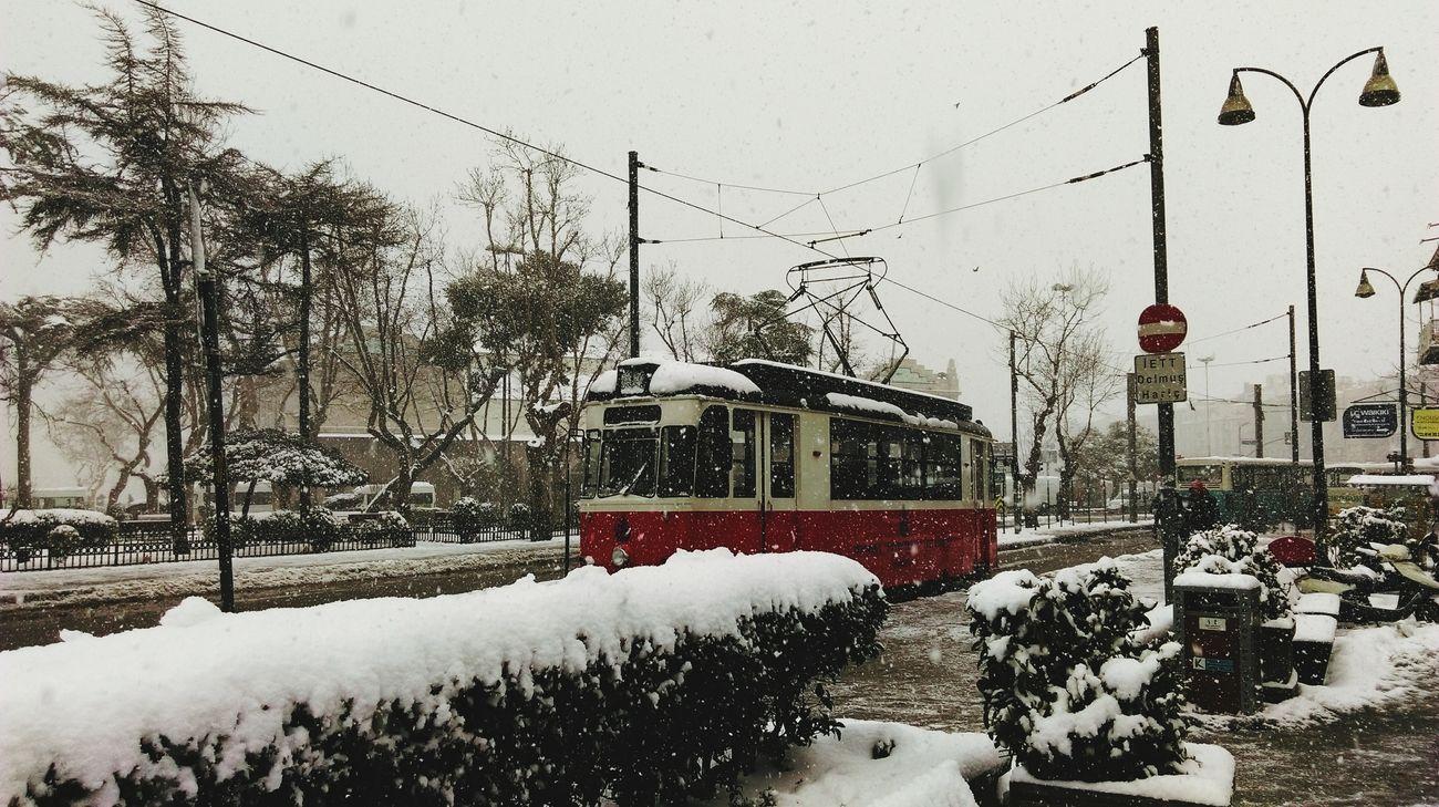 Kadikoy Tramvay Snow ❄