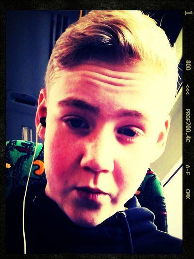 Bus -,- School To Home :) Hate Mondays Kollegah. <3  Kollegah.King