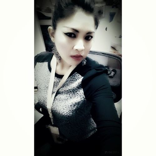Afternoon...afternoon..n afternoon..happy monday...Any activities for tday???Any ideas???Espritshop Jpo Damnnncold ...