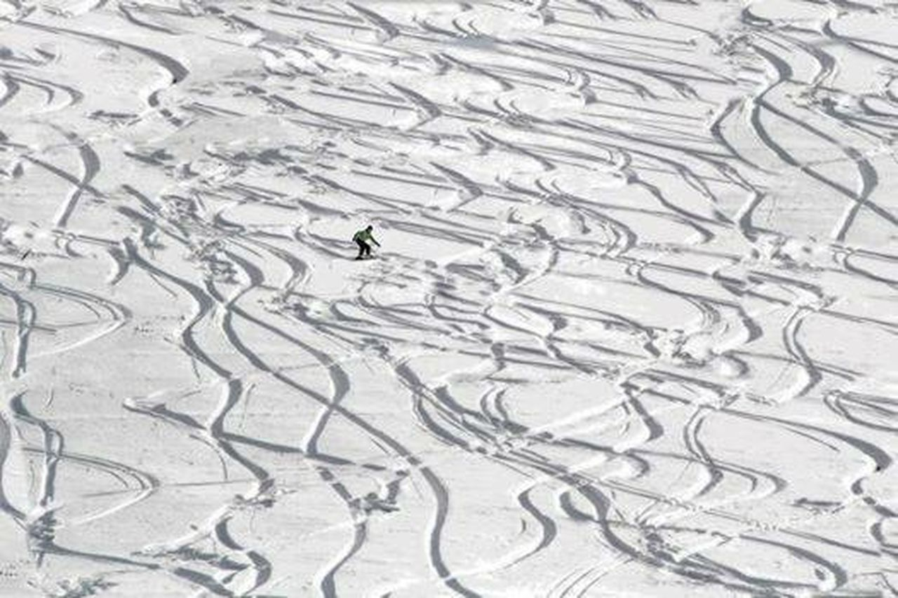 full frame, high angle view, one person, one man only, only men, pattern, people, adults only, snowboarding, sport, backgrounds, outdoors, day, adventure, adult, motion, skill, ski holiday, men, winter, headwear, snow, extreme sports, nature