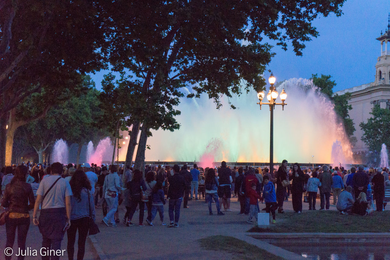 In Montjuic, Barcelona, with the fountain in its most beautiful colors. Colors Montjuic Foun Night Life Night Lights The Great Outdoors - 2016 EyeEm Awards