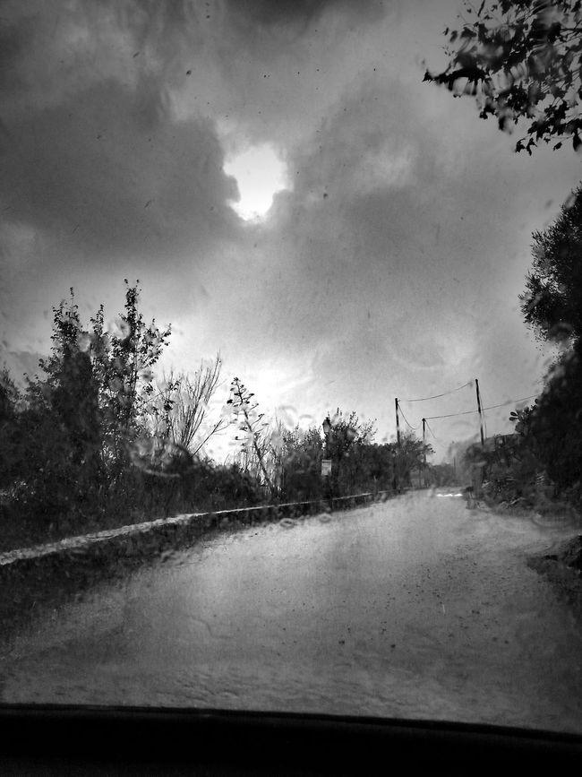 l orage gronde Bnw_friday_eyeemchallenge
