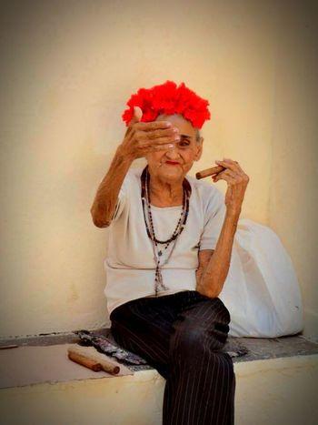 Cuba Ordinarypeople Havana Cigars Old Woman Smoking