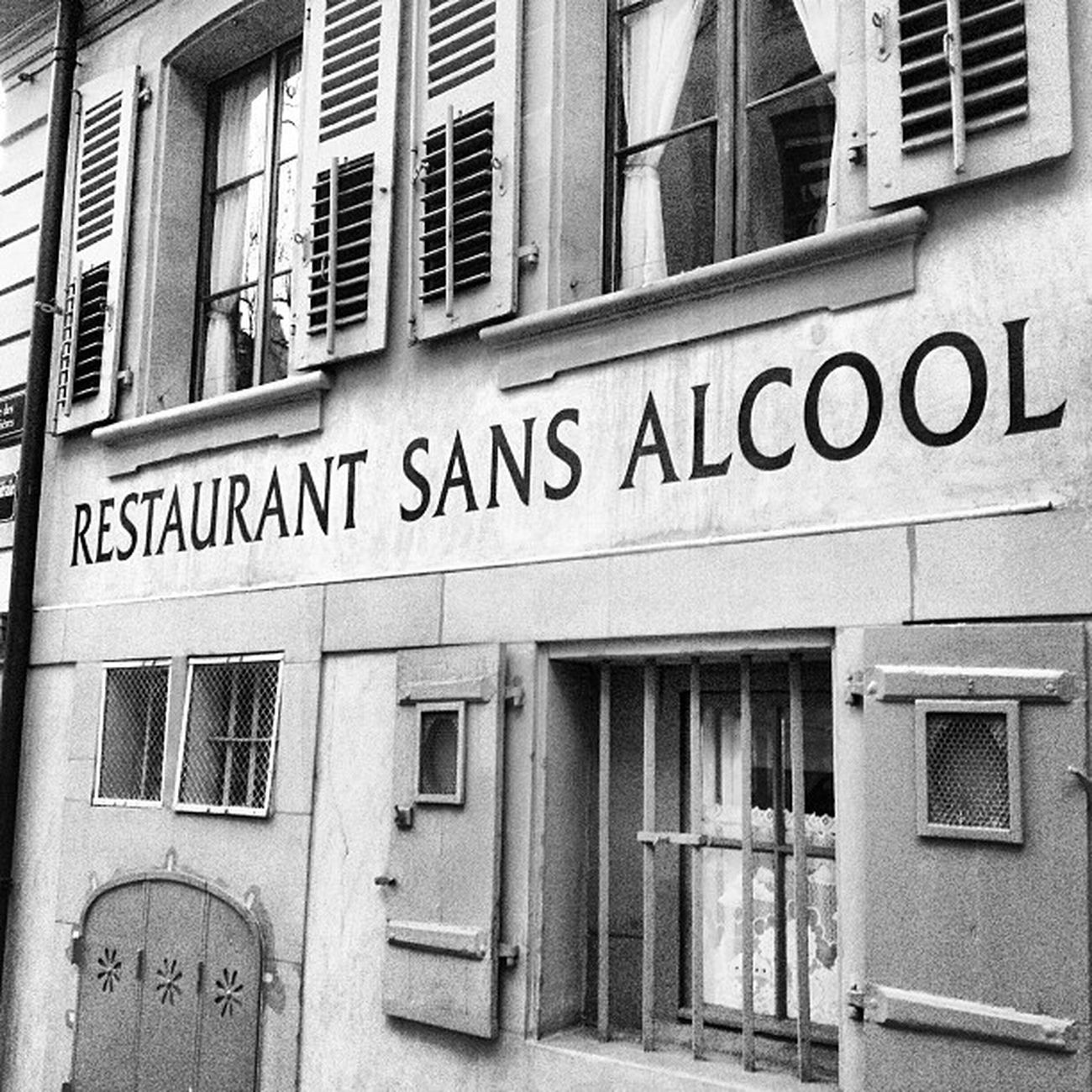 #restaurant in #geneve, was soll ich da? Bnw_society Bwstyles_gf Noir Instagood Blackandwhite Tagsforlikes Restaurant Fineart_photobw Monochrome Igersbnw Bw Irox_bw Photooftheday Insta_bw Geneve Instablackandwhite Bnw Insta_pick_bw Monoart Bwstyleoftheday Monotone Bw_crew Bw_lover Bwwednesday Bw_society Bw_photooftheday Monochromatic Picolli Jj
