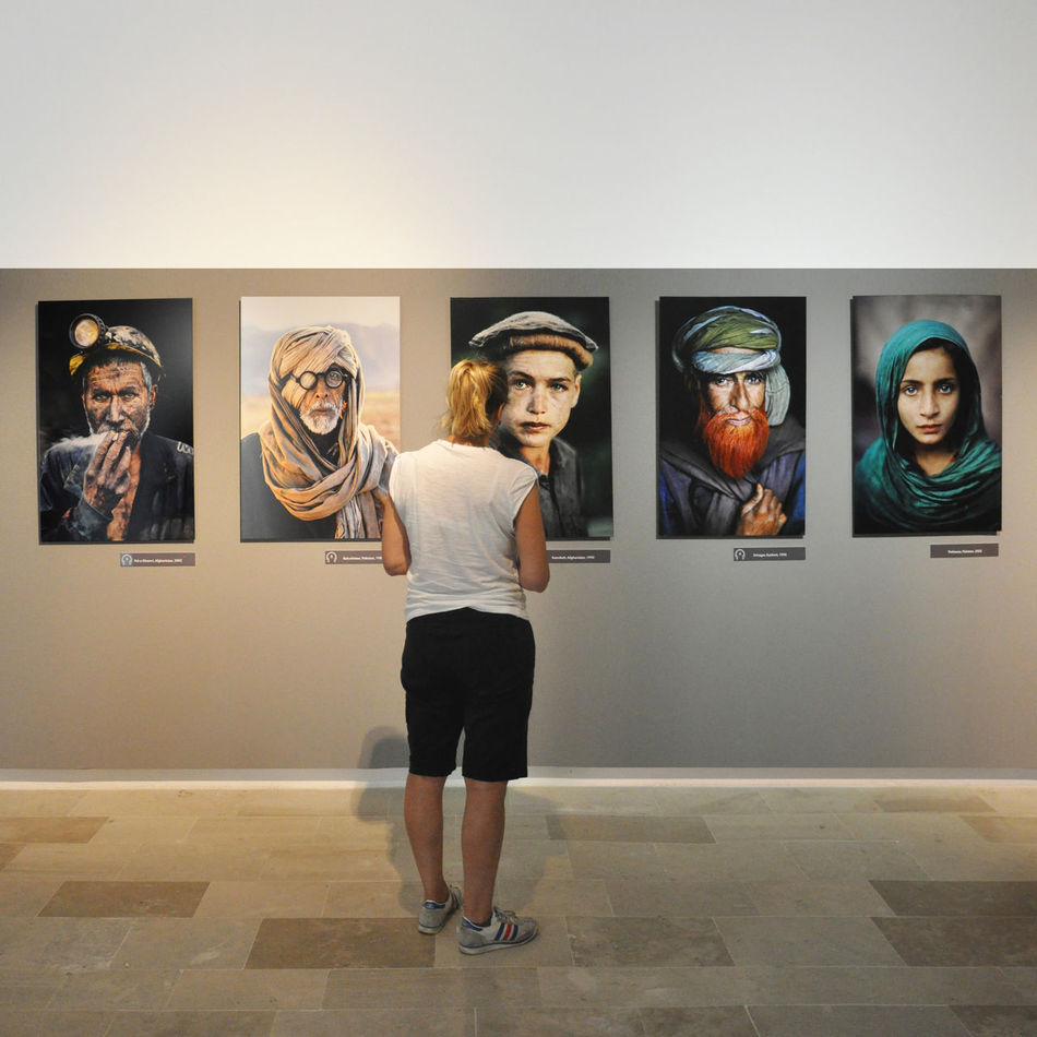Mccurry icons Adult Adults Only Archival Beauty Cheerful Day Exibition Full Length Indoors  Lifestyles Looking At Camera Mccurry One Person One Woman Only People Photography Portrait Real People Standing Young Adult Young Women