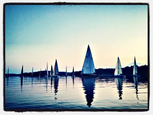 Took this at night outside Sandhamn and Lökholmen the night between sunday and monday this week. 1 in the morning ⛵