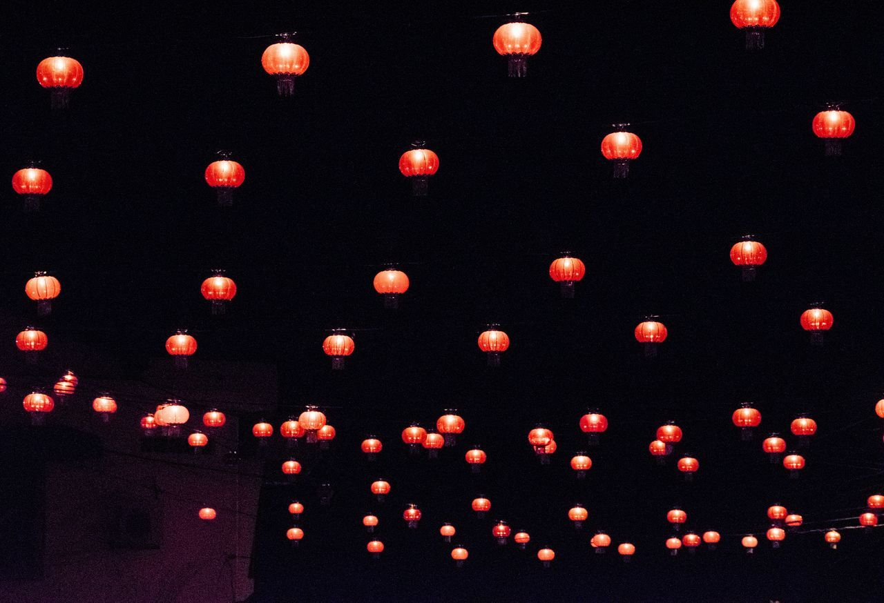 Pattern Red Multi Colored No People Textured  Large Group Of Objects Backgrounds Indoors  Black Background Day Red Light Black Background Check This Out Nightshot Chinese Lantern Lantern Hanging Cultures Night Photography Lighting Equipment Night Nature Streetphotography Night Lights