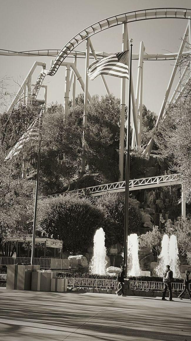 Southern California Six Flags Magic Mountain Hanging Out Relaxing Taking Photos