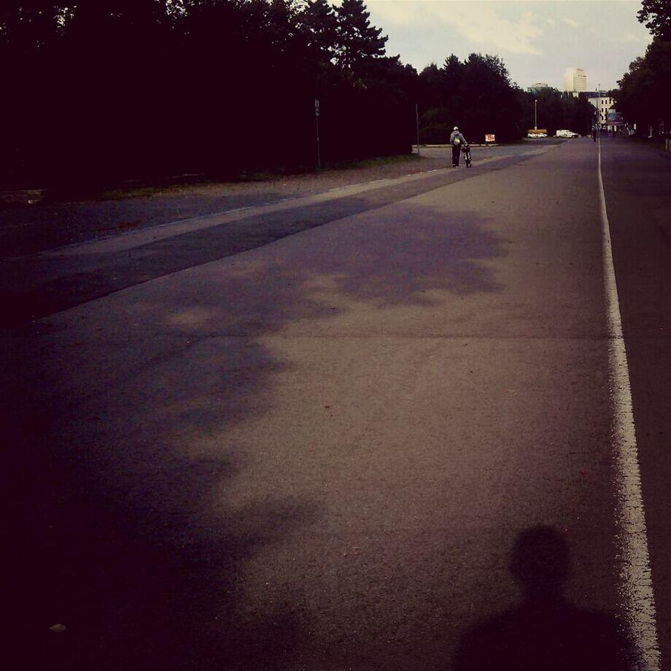 Selfie Shadow Me Leipzig Walking