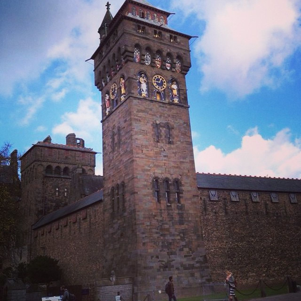 Cardiff castle Castle Cardiff Hereweare Trip Journey Awesome