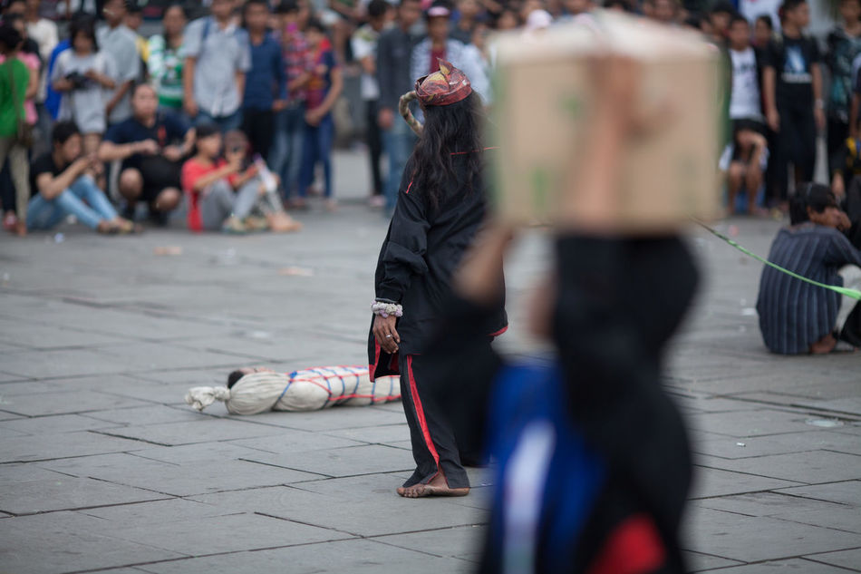 Beautiful stock photos of artist, Arts Culture And Entertainment, Cardboard Box, Carrying, Crowd