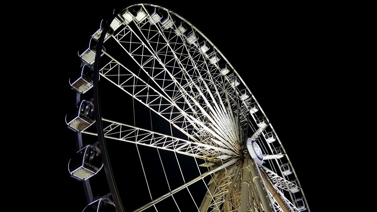 Ferris Wheel Arts Culture And Entertainment Amusement Park Night No People Rollercoaster Sky Outdoors Big Wheel Mobile Photography Liverpool Waterfront Samsung Galaxy S6 Edge+ Liverpool England Liverpool, England Liverpool Night Photography Big Wheels Big Wheel Liverpool Night View Illuminated
