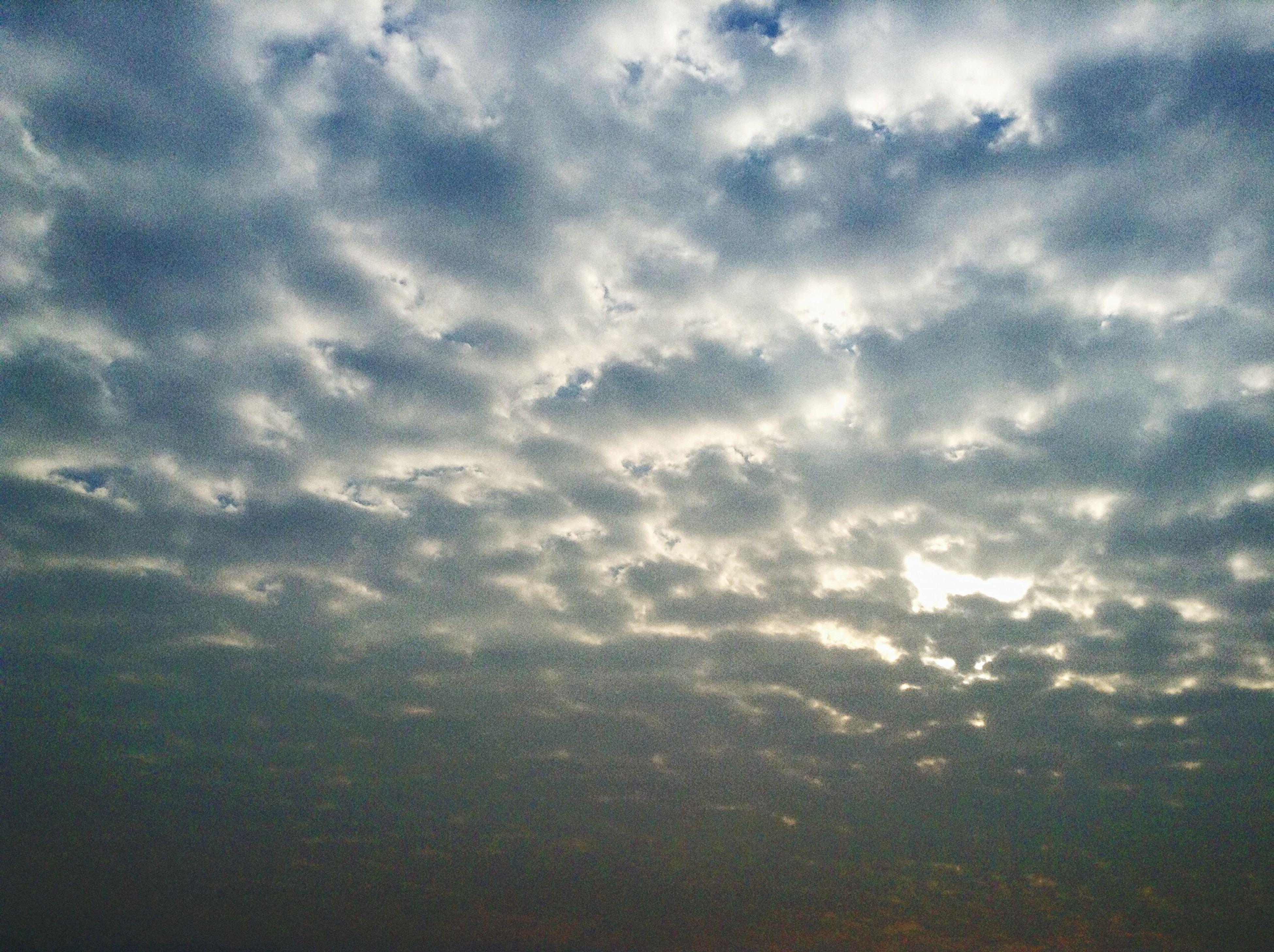 sky, cloud - sky, beauty in nature, scenics, tranquility, cloudy, tranquil scene, cloudscape, nature, sky only, backgrounds, cloud, weather, idyllic, full frame, majestic, no people, low angle view, overcast, outdoors