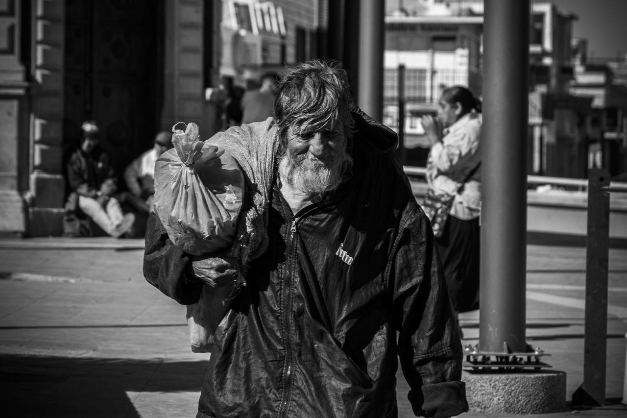 The Street Photographer - 2017 EyeEm Awards Juarez Oldman Streetphotography City Life Buendia
