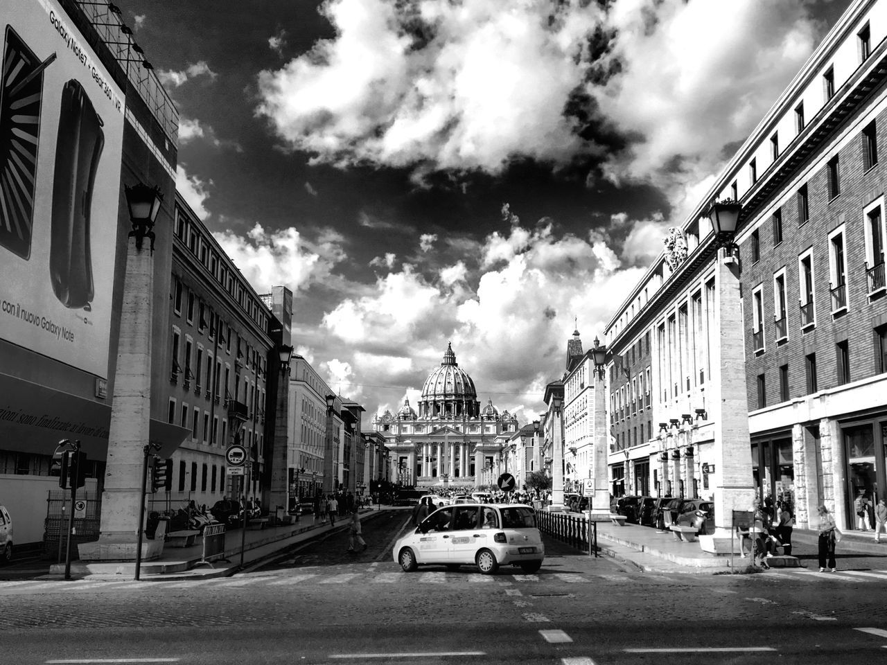 When in Rome 013 Architecture City Rome Famous Place IPhoneography Vatican Italy Black & White Blackandwhite VSCO Black And White Photography Lightroom Mobile AMPt - Street Shootermag Travel Destinations Architecture