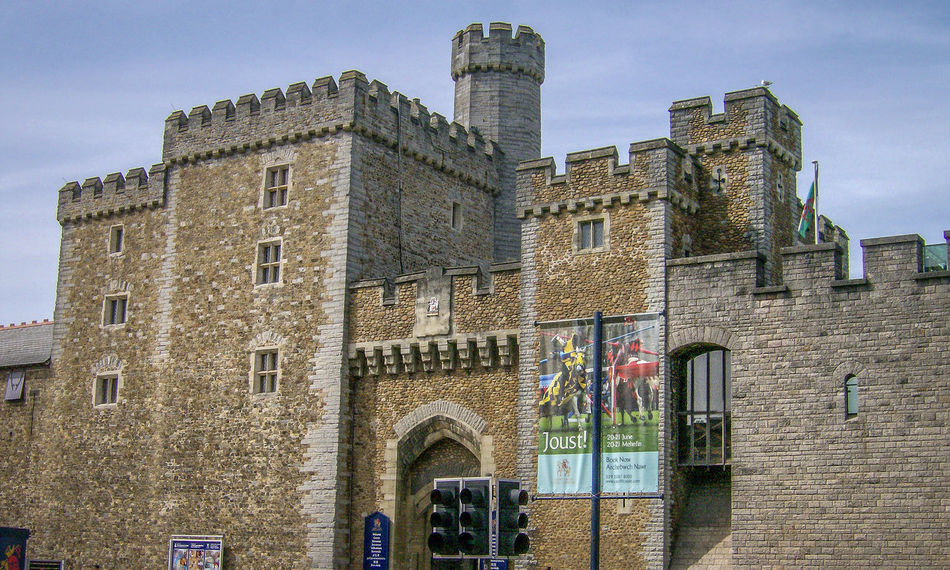 Architecture Building Exterior Built Structure Caerdydd Cardiff Castello Castle Day Galles Gran Bretagna Great Britain Großbritannien Low Angle View No People Outdoors Schloss Schloss Sky Wales