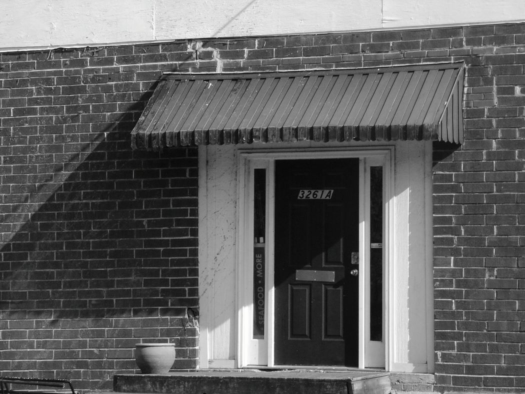 Black & White B&w Street Photography Atlanta Atlanta Ga ATL Buckhead Buckheadatlanta Shadows Shadows & Lights Bricks Urbanphotography Urban Landscape City Life The City Light