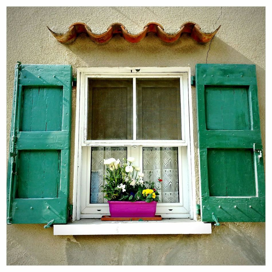 One Window Story Check This Out Hello World Checking In Walking