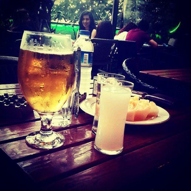 Afiyet olsun bize :) Taksim Istiklal Mihrimahsultan Beyoğlu eglence rakı yenirakı beer drink drunk drink vsco vscocam retrica instapic tflers alkol içelim güzelleşelim night
