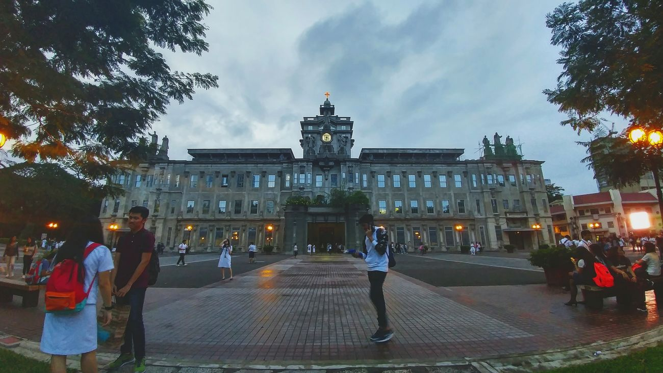 University Of Santo Tomas UST Main Building Plaza Mayor Manila Manila Phillipines ManilaPH Manila, Philippines Espanya Campus Gloomy Rainy Relaxing Philippines Eyeem Philippines Eyem Historical Historical Site World War 2 Japanese Occupation