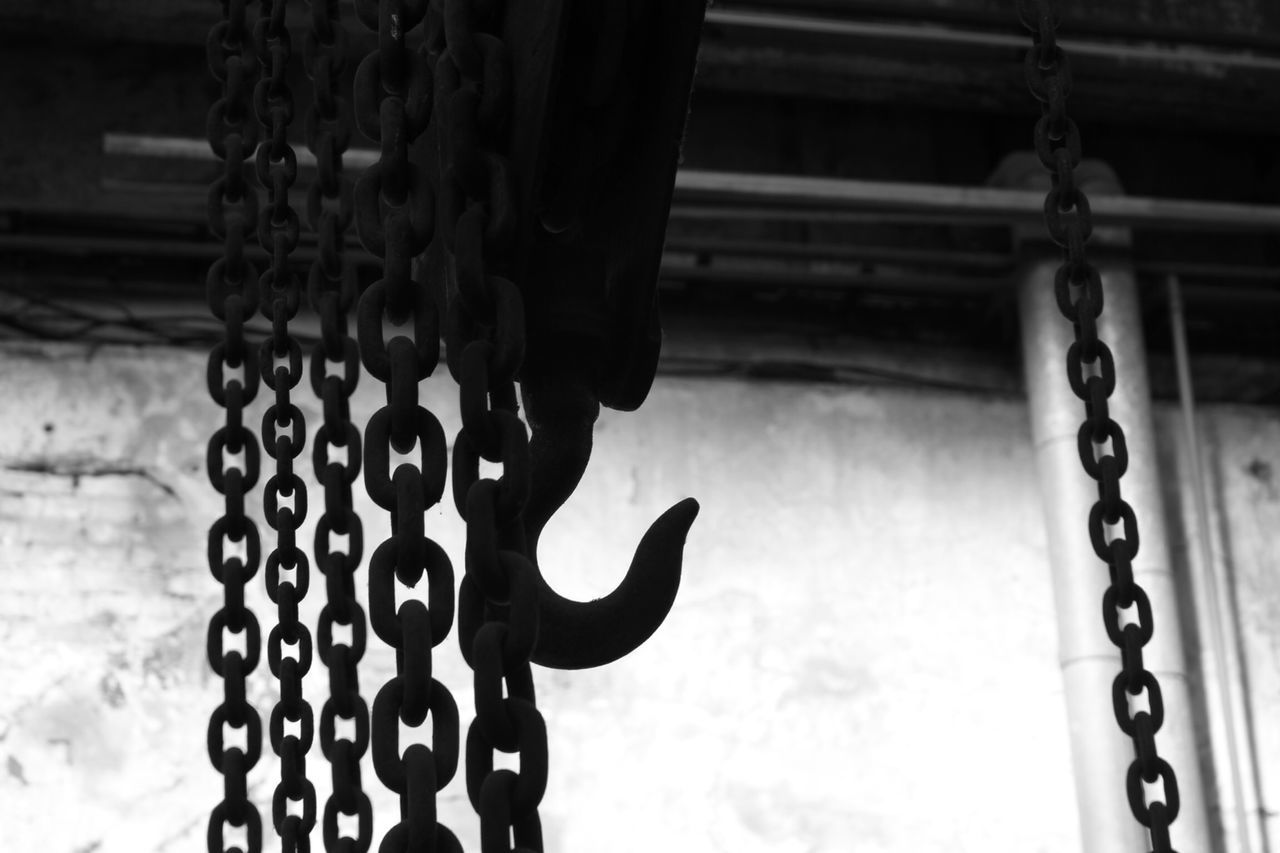 Beautiful stock photos of metal, Attached, Chain, Connection, Durability