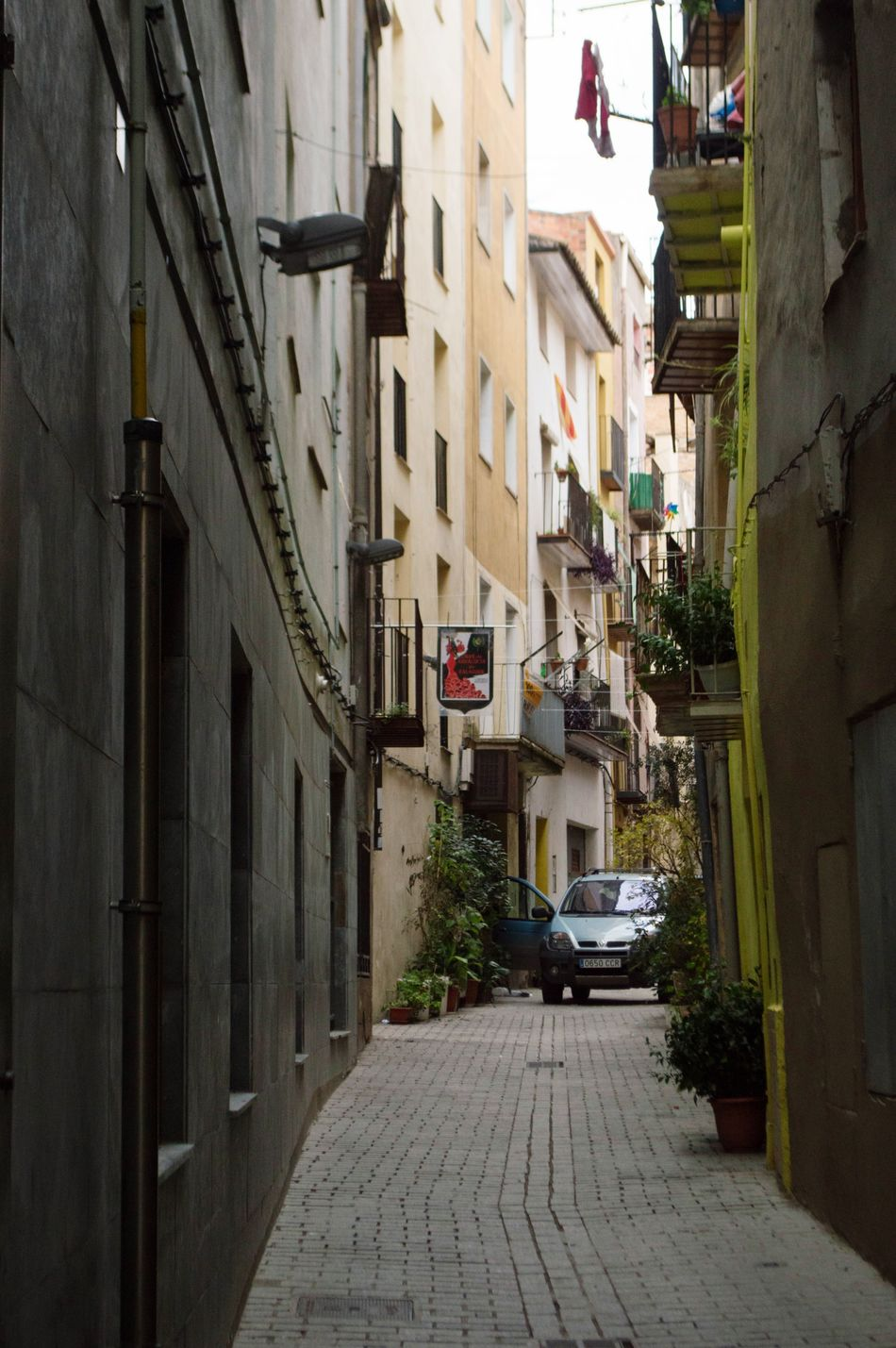 Streets of a town Architecture Balaguer Day Car Street Town Old Townlife