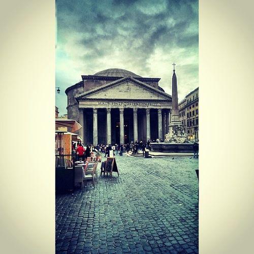 Roma Italy Piazza Della Rotonda Pantheon Photoshoot