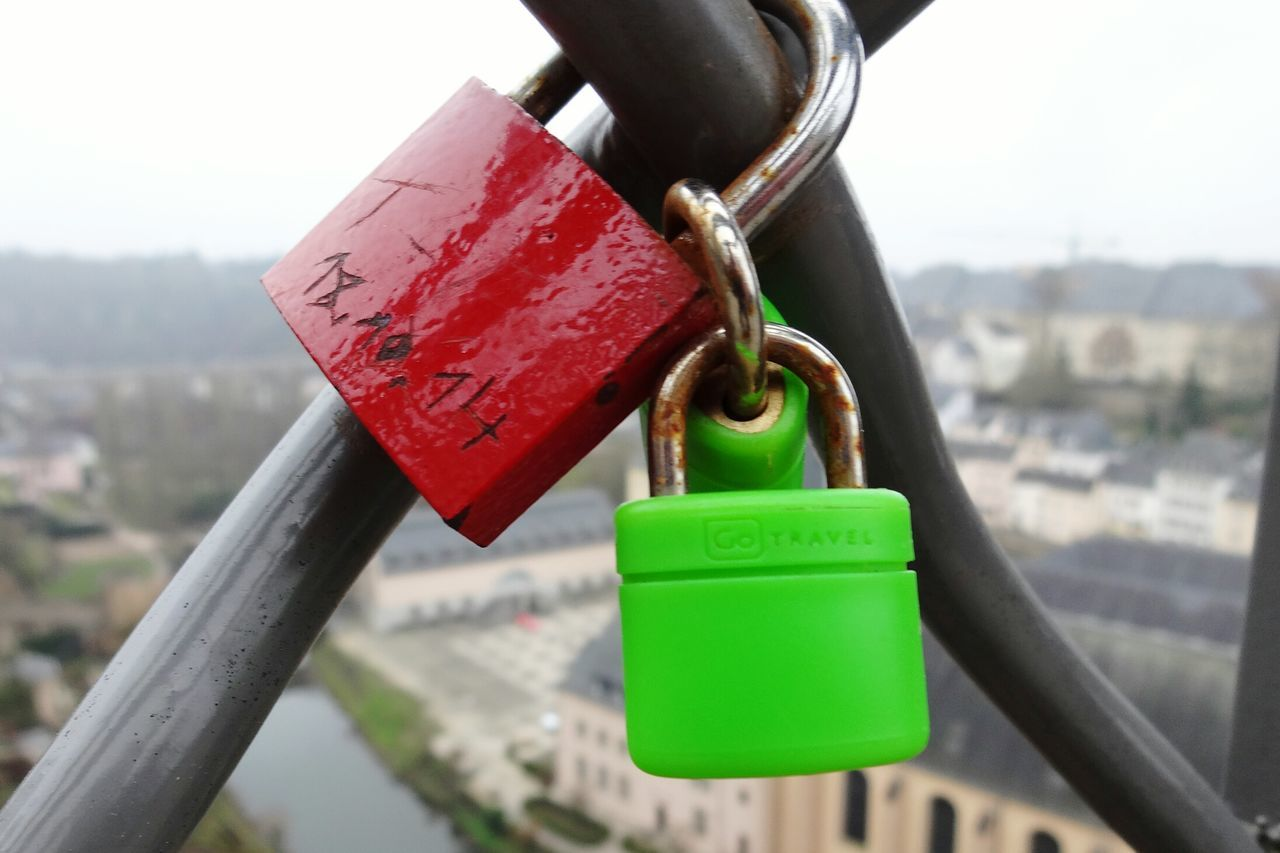 Close-up Love Lock Glücksbringer Luxemburg City Multi Colored Schloss Geländer No People