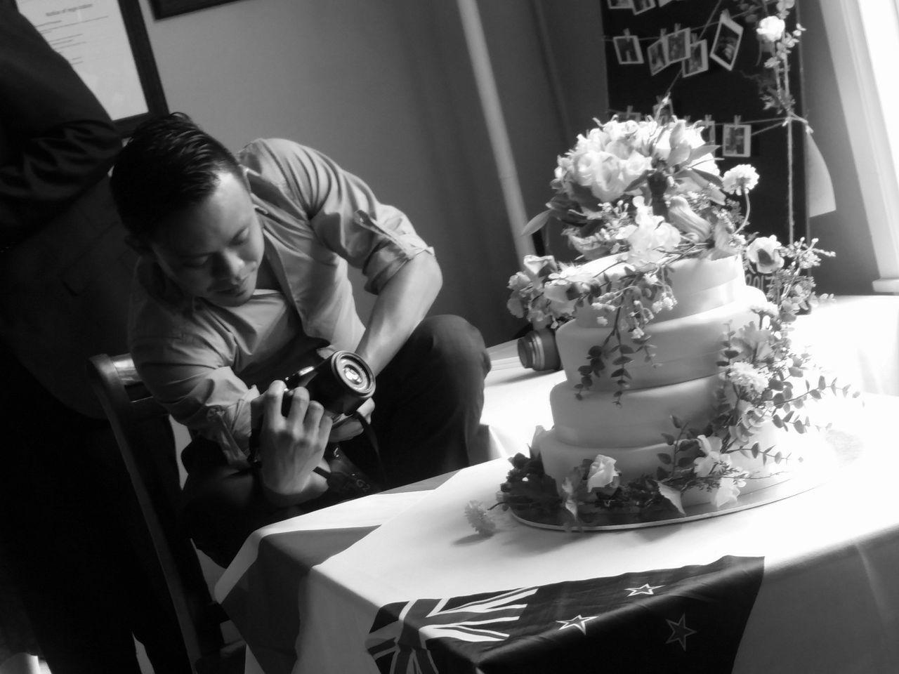 Wedding Wedding Photography Wedding Cake Blackandwhite Blackandwhite Photography Lightandshadow Indoors  Real People Photoofphotographer