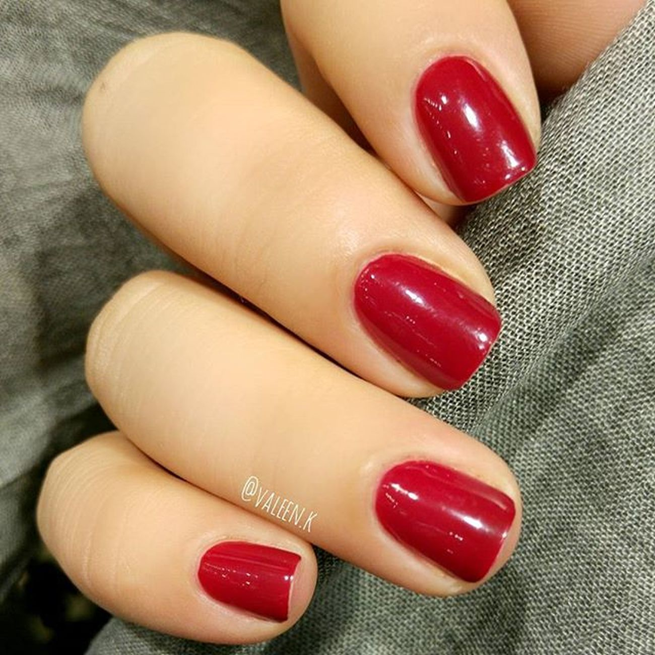 🌹 Rubis Folies 🌹️ @lorealmakeup Loreal Rubisfolies Lorealparis Lorealrubisfolies Lorealparisrubisfolies Fabulouslytrendy Ojesizgezmeyenlerkulubu Lovered Nails2inspire Lovenails Lorealnailpolish Nailsofinstagram Rednails Nails Nailartaddict Manicure Nailpolish Nailart  Nailssart Showmynails Notd Naildesign Naildesign Instanails маникюр  ногти nailjunkie nailpolishaddict polishaholic nailpolishjunkie essienista 💅