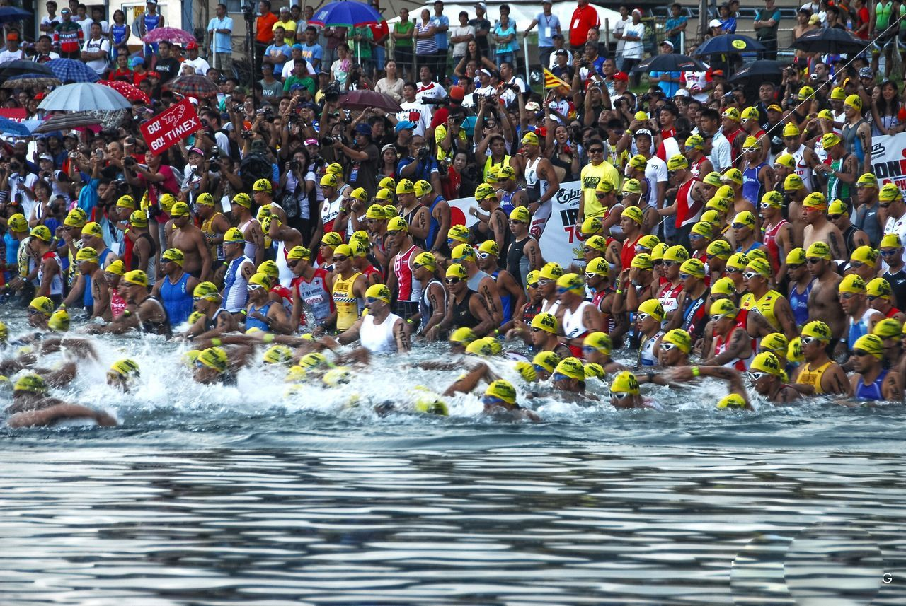 large group of people, water, outdoors, men, real people, sport, day, togetherness, competitive sport, competition, teamwork, people, adults only, adult